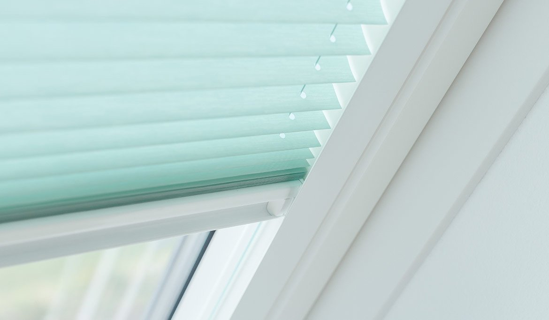 Plissee für Dachfenster nach Maß » VENDECO™
